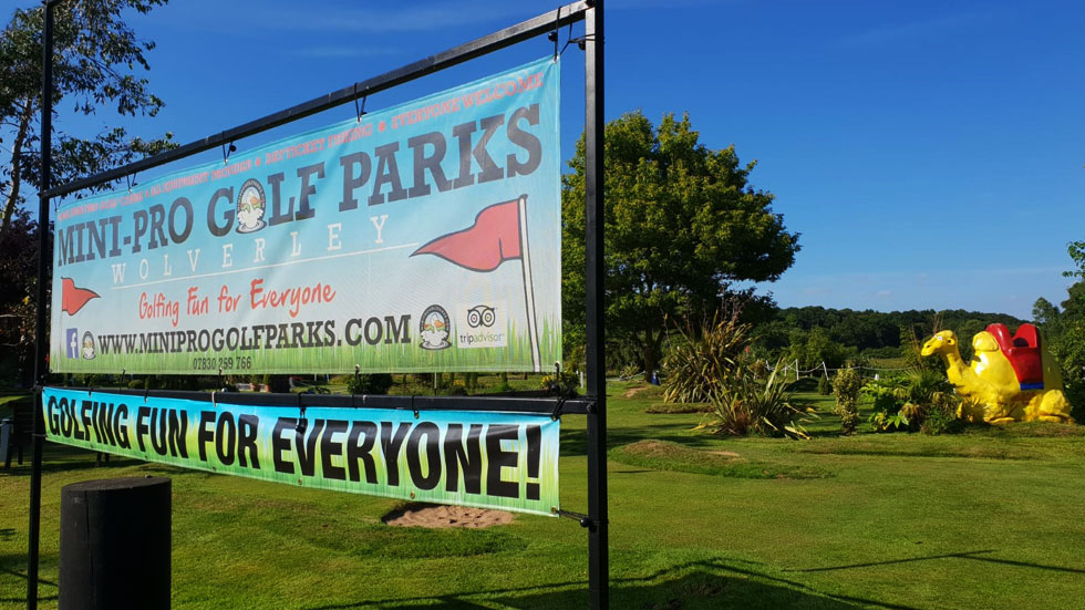 mini pro golf parks entrance sign