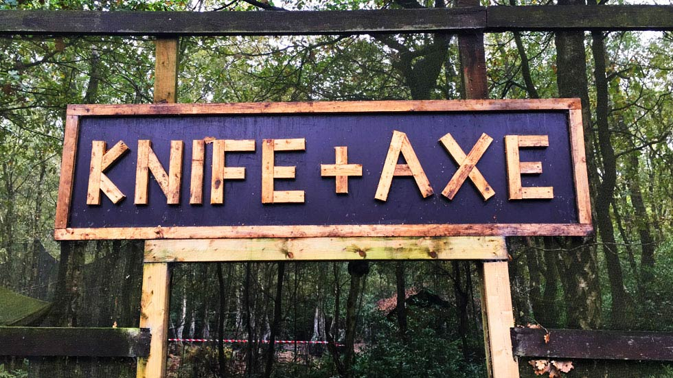 knife and axe throwing sign